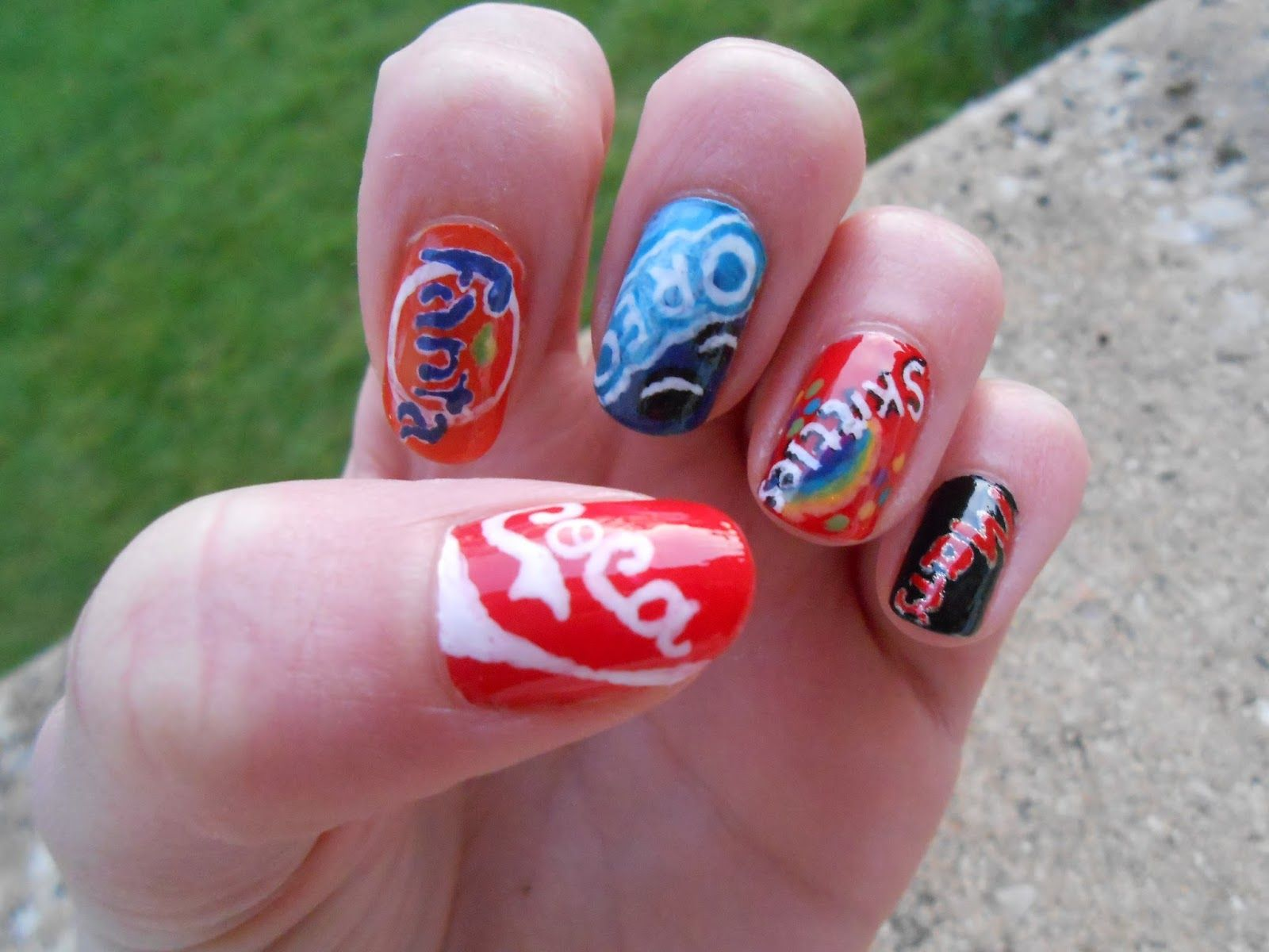 """Happy Pops : Tuto nail art """"logos des marques""""!!!"""