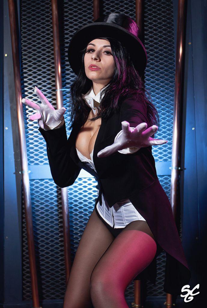 Light Play by EL-LY   Zatanna cosplay, Dc cosplay, Cosplay