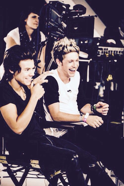 Narry wallpaper (Press ♥️ if you love them) | Niall Horan | One