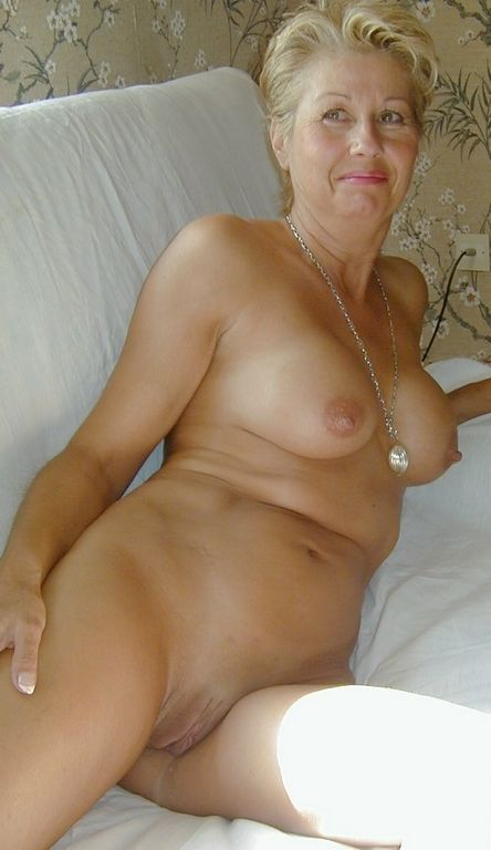 Naked mature women usa