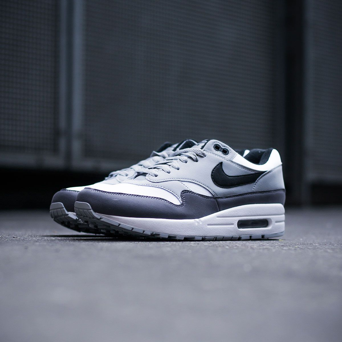 the latest 2f64a 4211b The Nike Air Max 1 is now available in a versatile white black