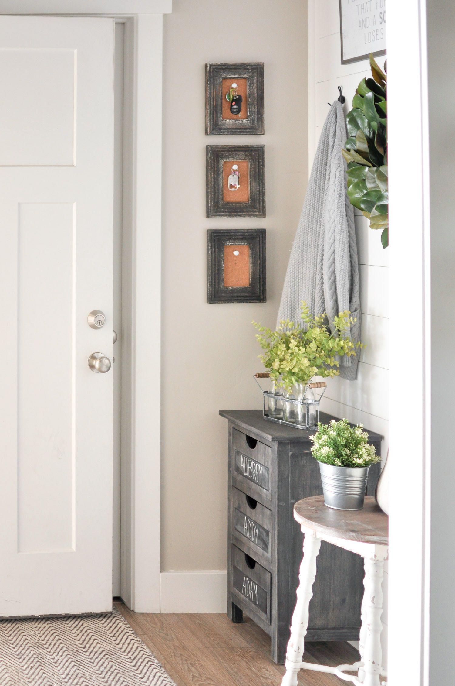 Hallway key storage   Reallife Mudroom and Entryway Decorating Ideas  Mudroom