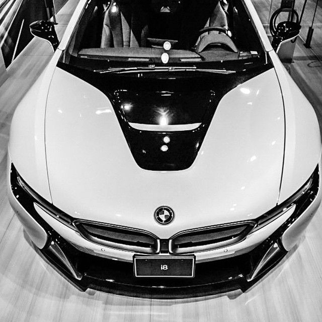 #BMW i8 On Display At The #CIAS2015 via @jjtho • #CarsWithoutLimits