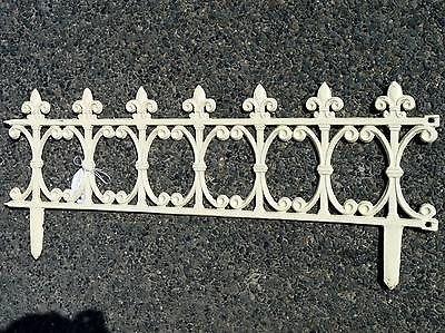 Style ancienne grille barriere cloture separation bordure de jardin en fonte ebay porche - Petite barriere de jardin ...