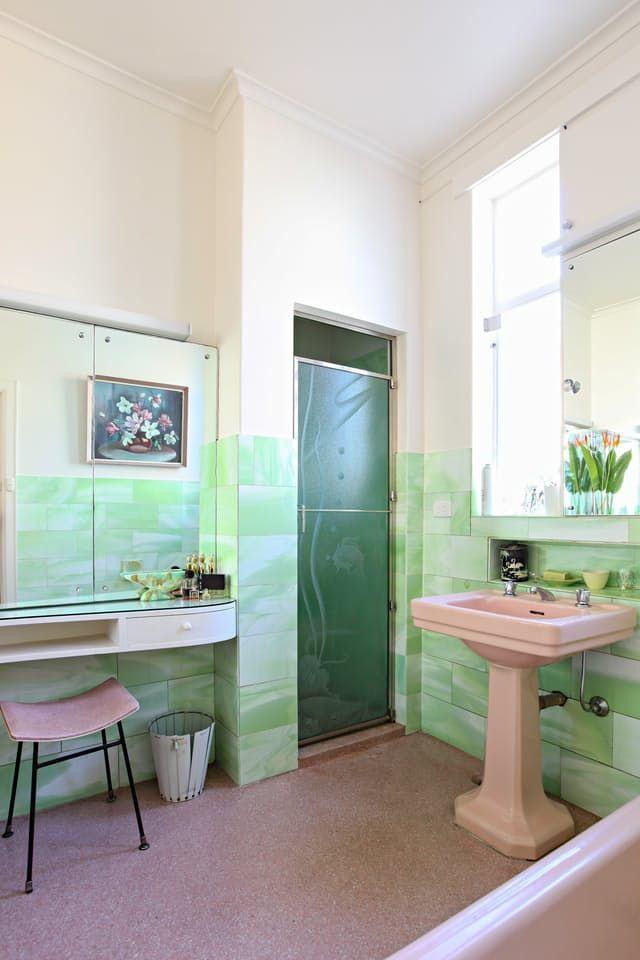 inspiring bathrooms with vintage tile hogar pinterest rh pinterest com