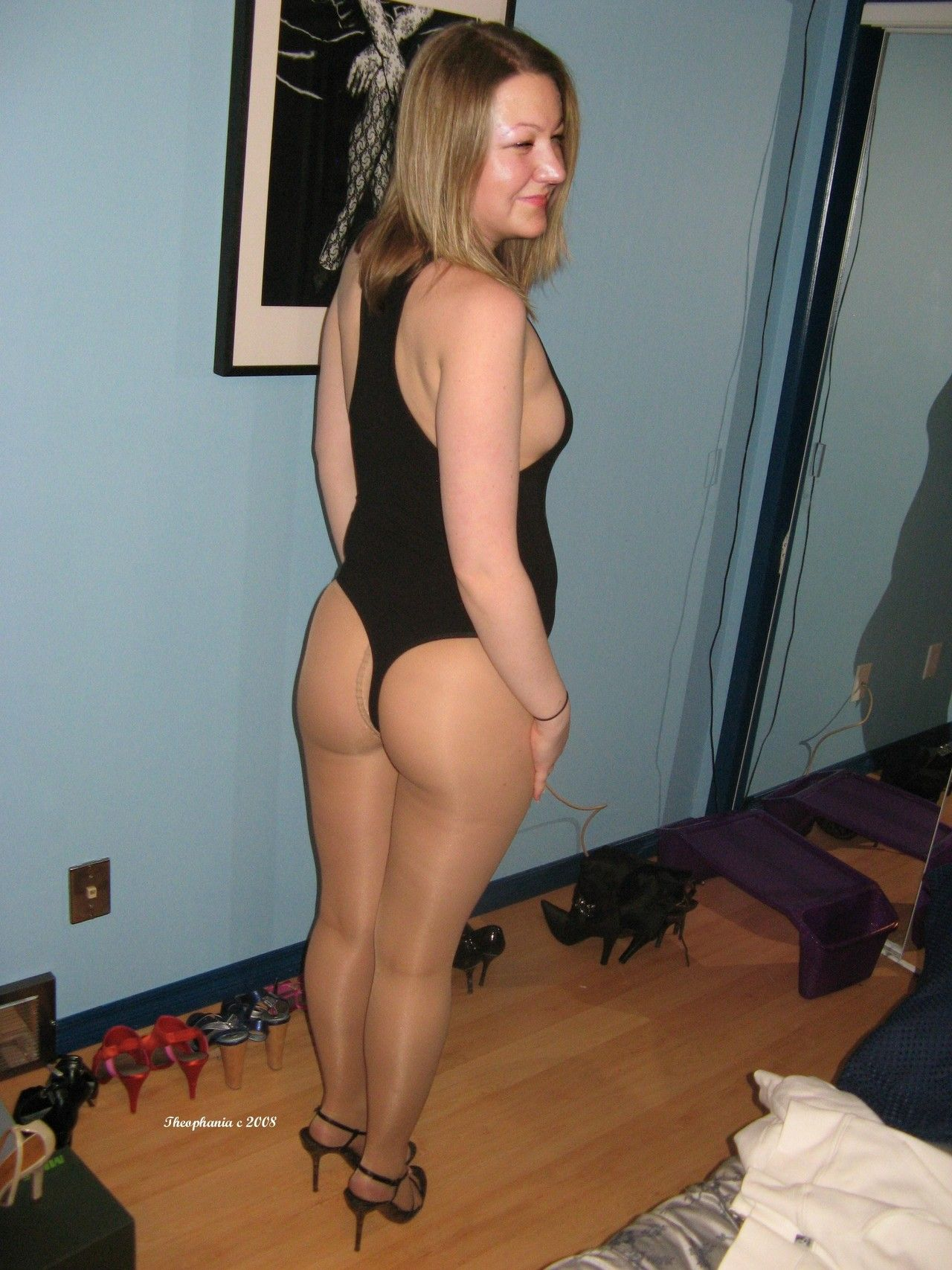 Mature in pantyhose pics amature