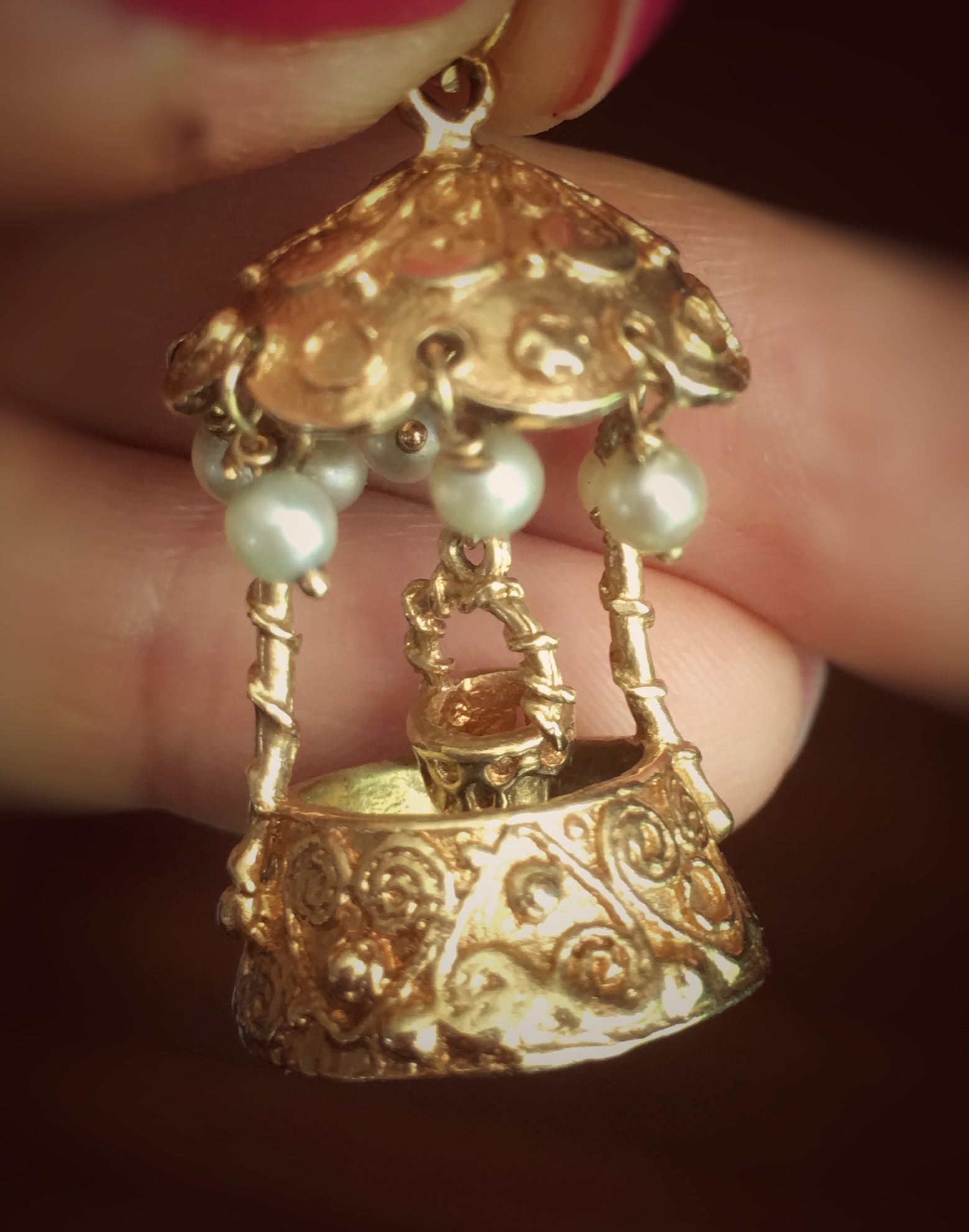 Vintage kt yellow gold u seed pearl wishing well charm we say a