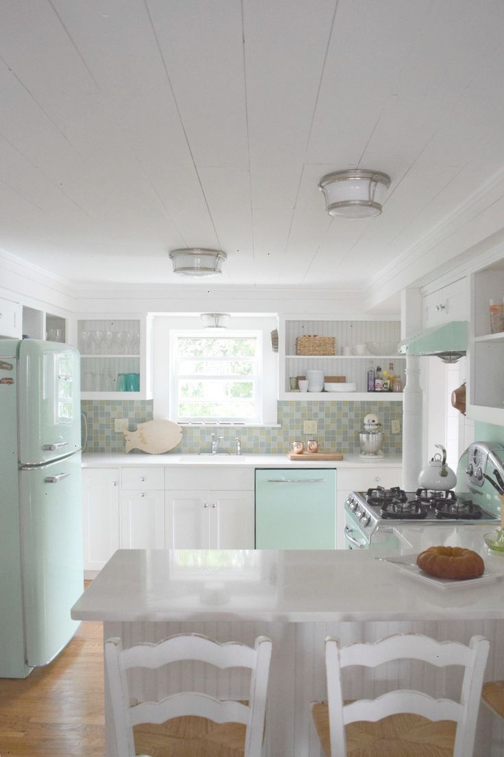 Connecticut beach house tour and retro kitchen ideas for the house