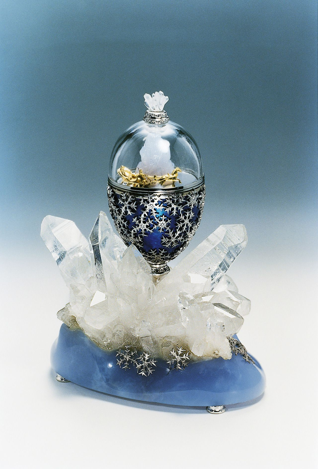Beautiful Faberge egg - I saw an exhibit of these in San Francisco ...