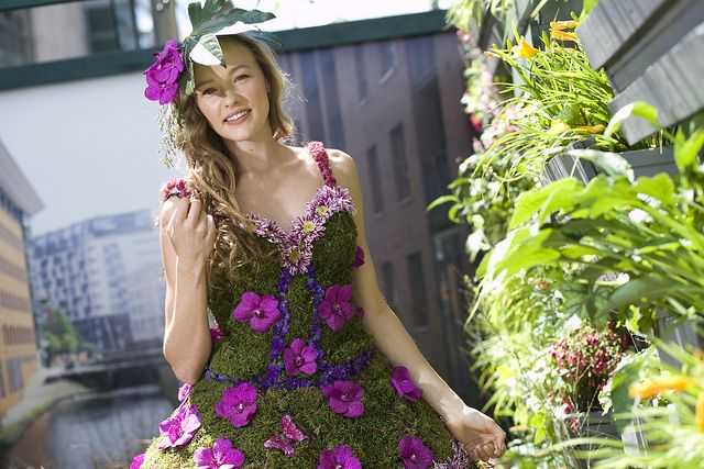 Dig the City - dress made of flowers | Flickr - Photo Sharing!
