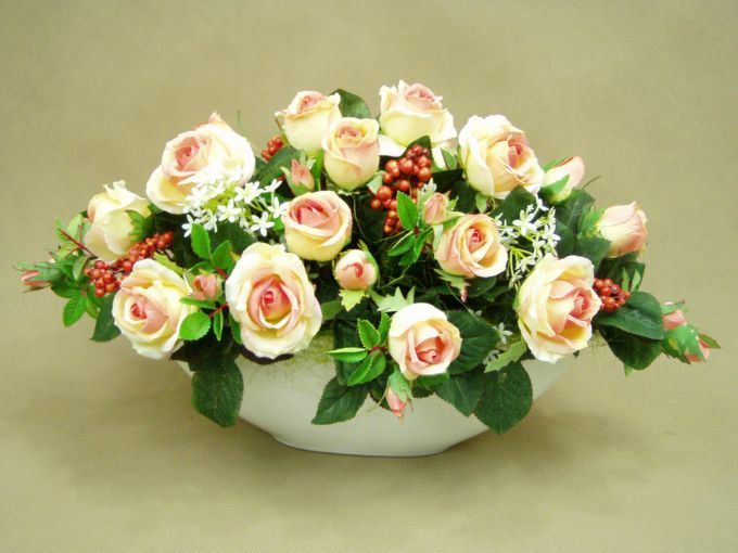 Pin By Lucyna 1 On Kwiaty Floral Wreath Flowers Floral