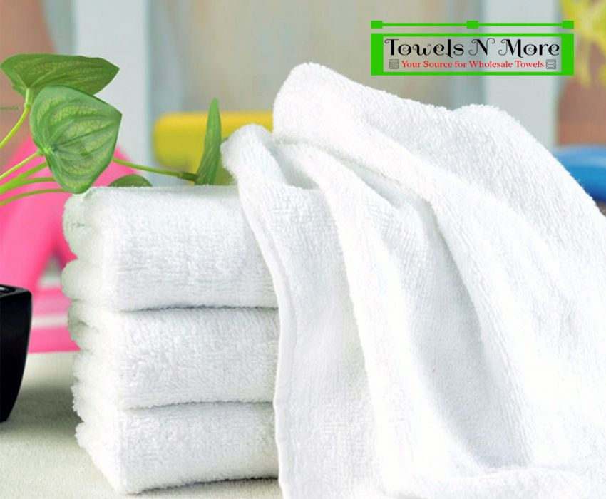Salon Towels Are Indeed Smooth And Soft And Are Designed Out Of Cotton Material And Using The Same Rejuvenates An In Soft Bath Towels White Towels Soft Towels