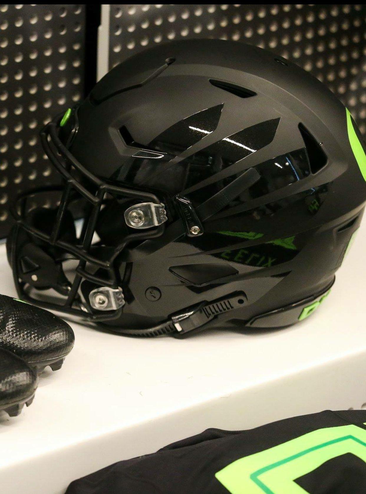 Flat black w gloss wings helmets vs san jose state