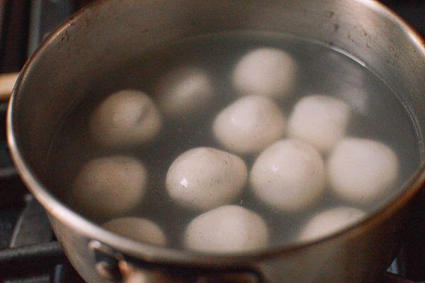 Tang Yuan (Sweet Rice Balls with Black Sesame Filling ...