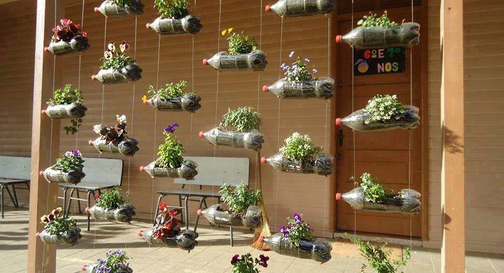 Ideas para hacer jardines verticales con botellas de plástico ...