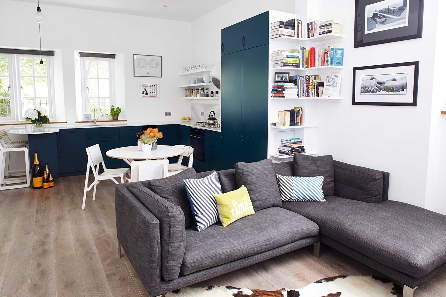 Cassidy_Hughes_Design_Sofa_Open_Plan_Kitchen_Living  Jo's Awesome Interior Design Living Room Small Flat Decorating Inspiration
