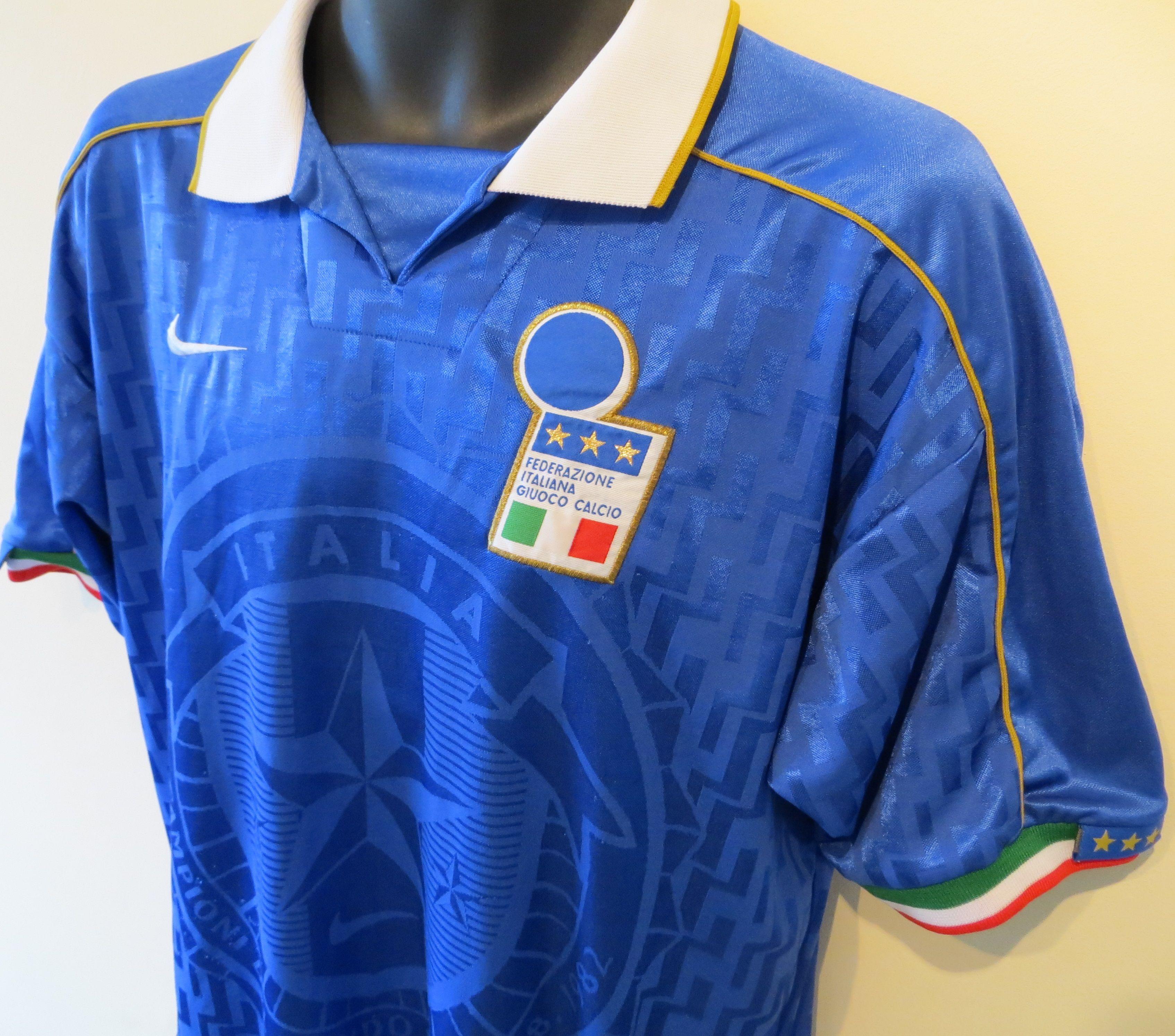 81e08220 94-96 Italy home shirt by Nike | Jersey | Retro football shirts ...