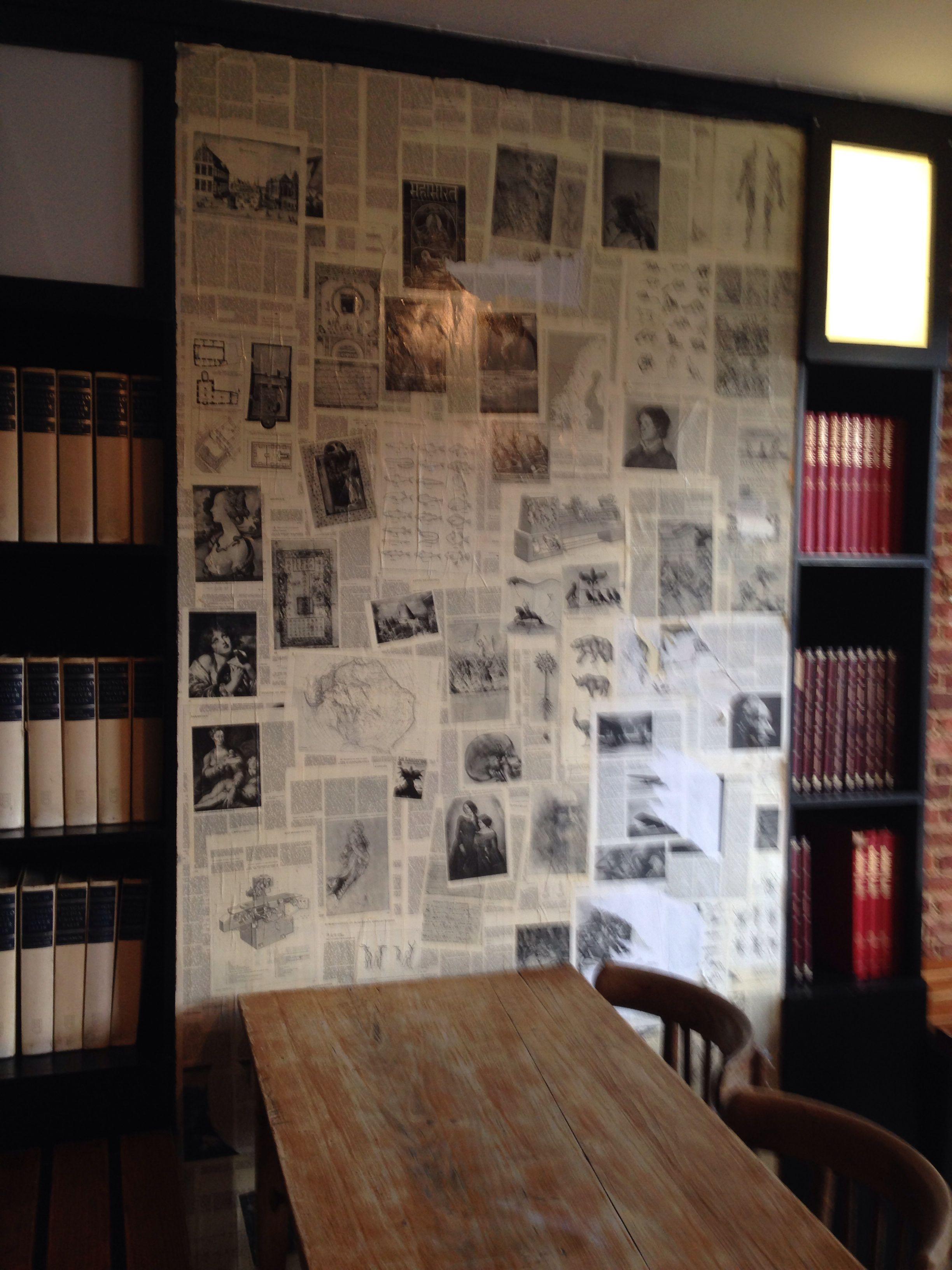 Old Encyclopaedias: Old Encyclopedia Wallpaper