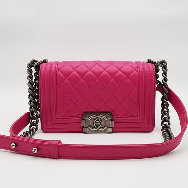 4500 wire. Preloved Chanel Boy Small Fuchsia Lambskin