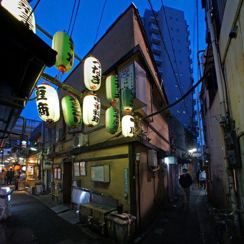 夜散歩のススメ「三軒茶屋三角地帯、ゆうらく通り」 東京都世田谷区
