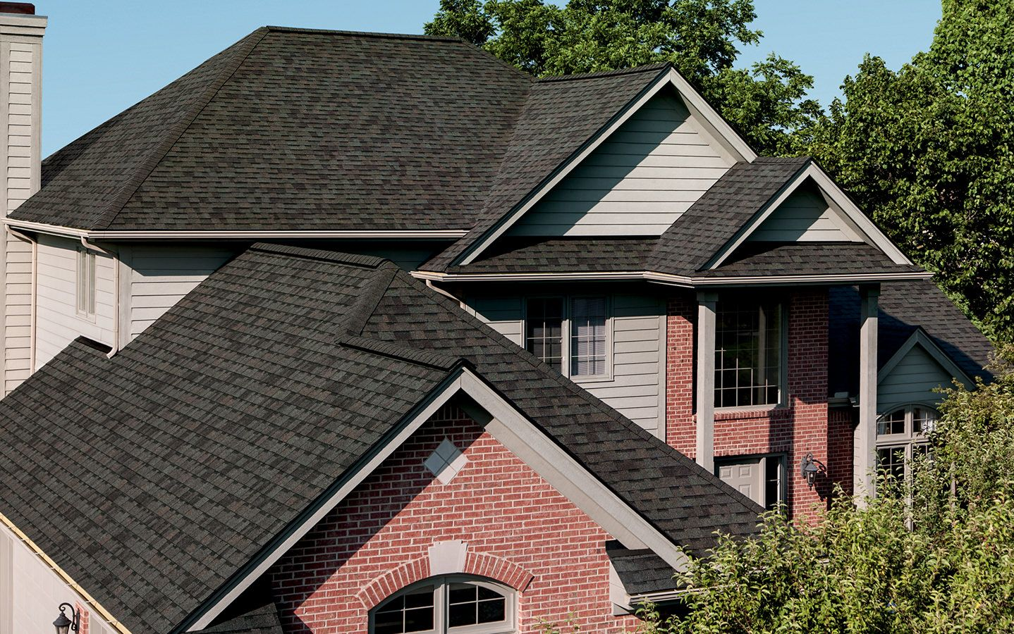 I Love This Shingle I Found This Oakridge Shingle In The Color Onyx Black Check It Out Shared From Owen Architectural Shingles Roof Shingle Colors Roof Cost