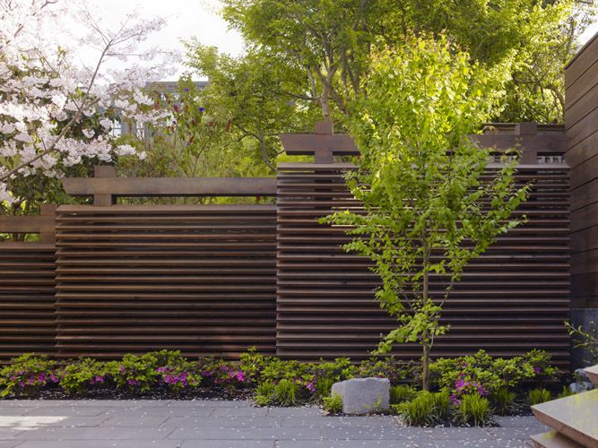 Surfacedesign inc cow hollow residence fencing for Wooden garden screen designs