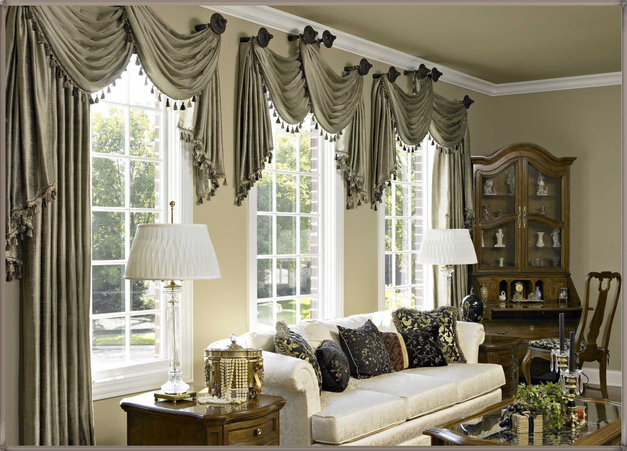 Lovely Living Room Window Treatment