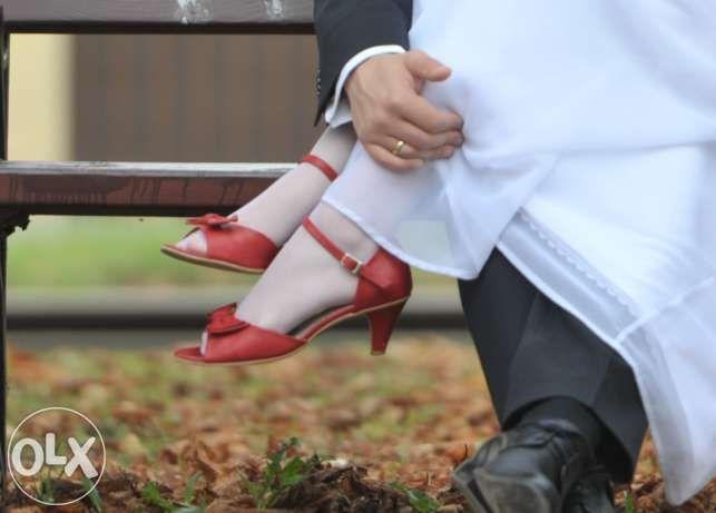 Czerwone Buty Do Slubu Szukaj W Google Heels Pumps Shoes
