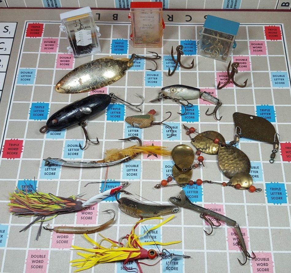 Big vintage fishing lures lot plus extras look through pics vintage nvjuhfo Choice Image