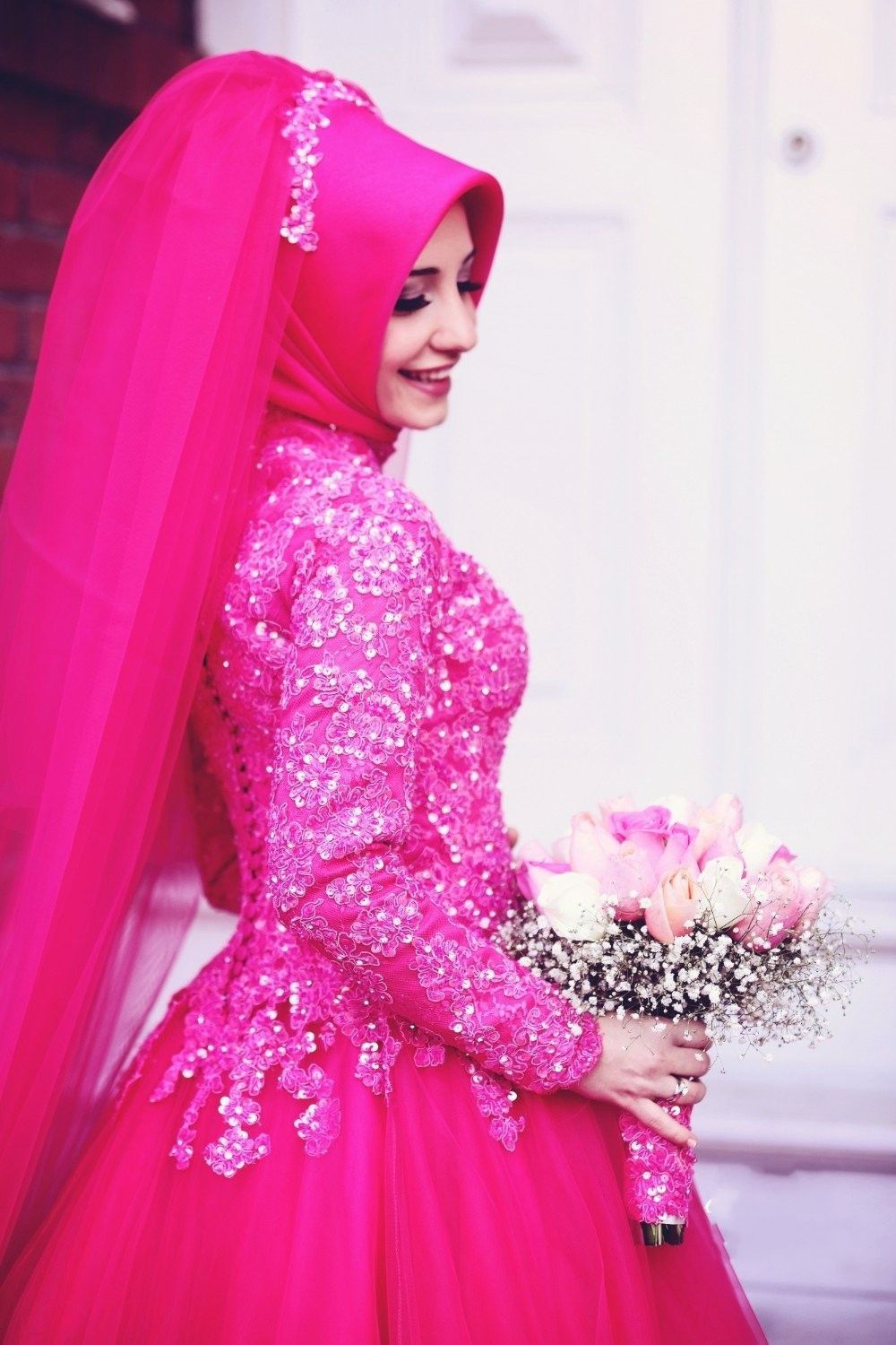 Fuchsia Islamic Muslim Wedding Dresses High Neck Long Sleeves Puffy  Colorful Wedding Gowns Lace Appliques 41d1bd52cf22