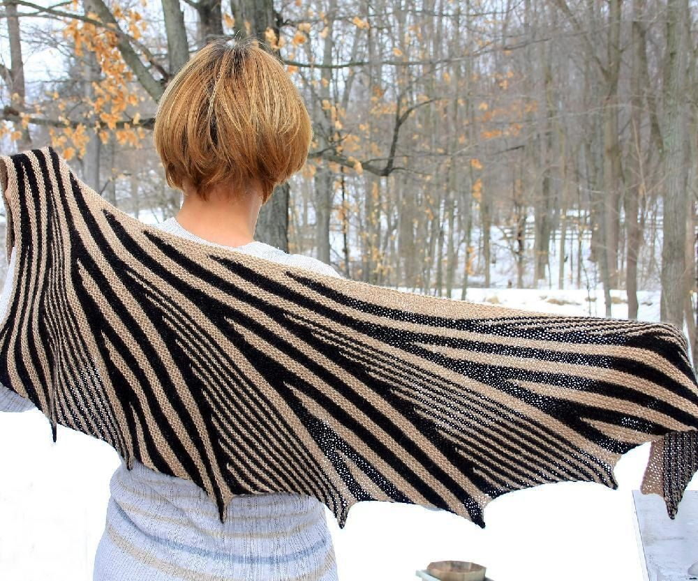 Afternoon shadows Knitting pattern by Irina Eberhardt | Knitting Patterns | LoveKnitting #strikkedesjaler