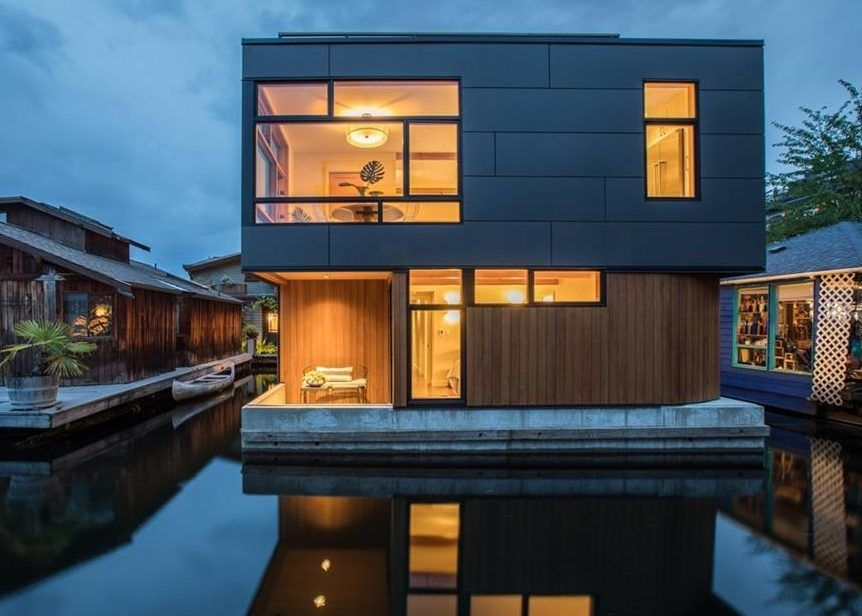 Step In To Style On The Lake In This Floating Home Floating