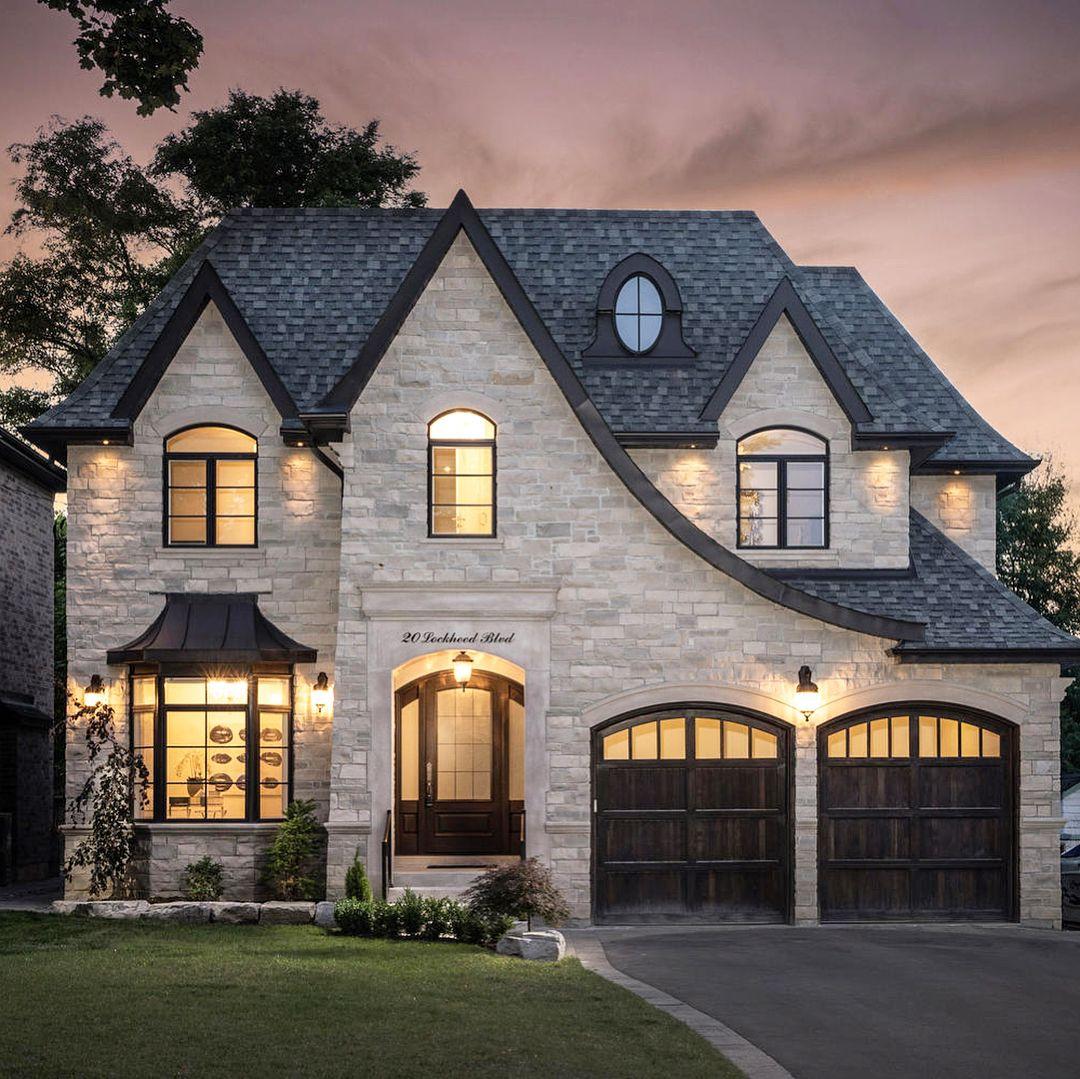 Custom Home Designs Toronto: Toronto, Ontario : New Listing By Stunning Custom Built