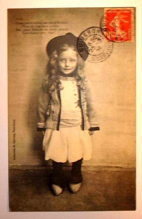 prix carte enfant + Carte postale ancienne bretagne petit enfant breton en costume et
