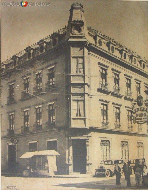Fachadaen1920delhotelGomez(AllendeyMorelos)