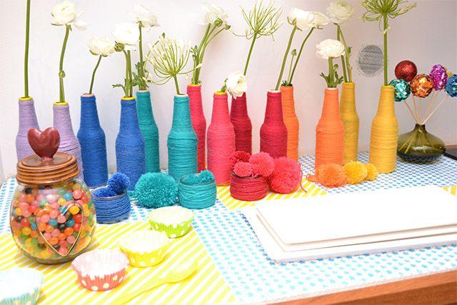 Une d coration d 39 anniversaire multicolore party ideas d co mariage multicolore deco salle - Deco table multicolore ...