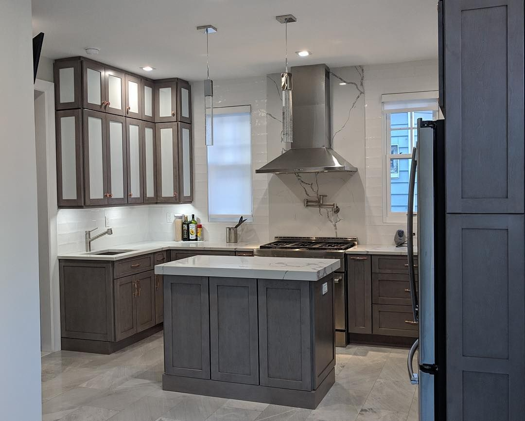 Pin By Jacquie B On Fabuwood Cabinetry In 2020 Fine Home Building Kitchen Remodel Kitchen