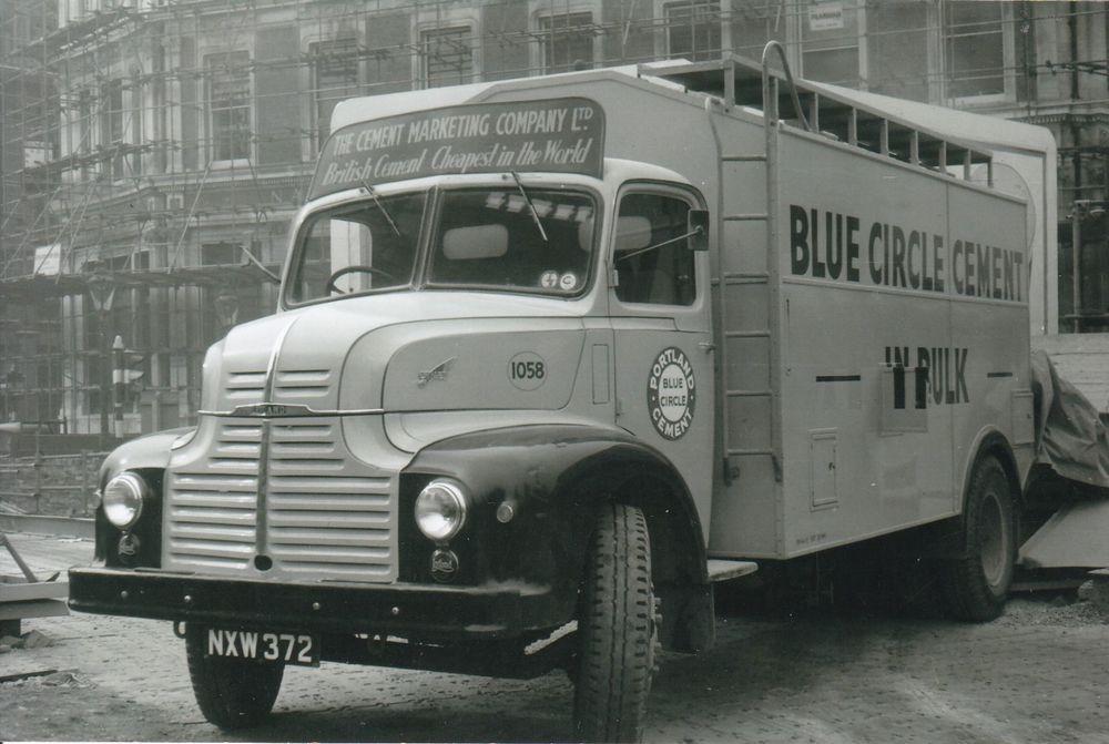 B W Photo Blue Circle Cement Leyland Comet 4 Wheel Rigid Nxw 372 Na Old Lorries Leyland Old Trucks