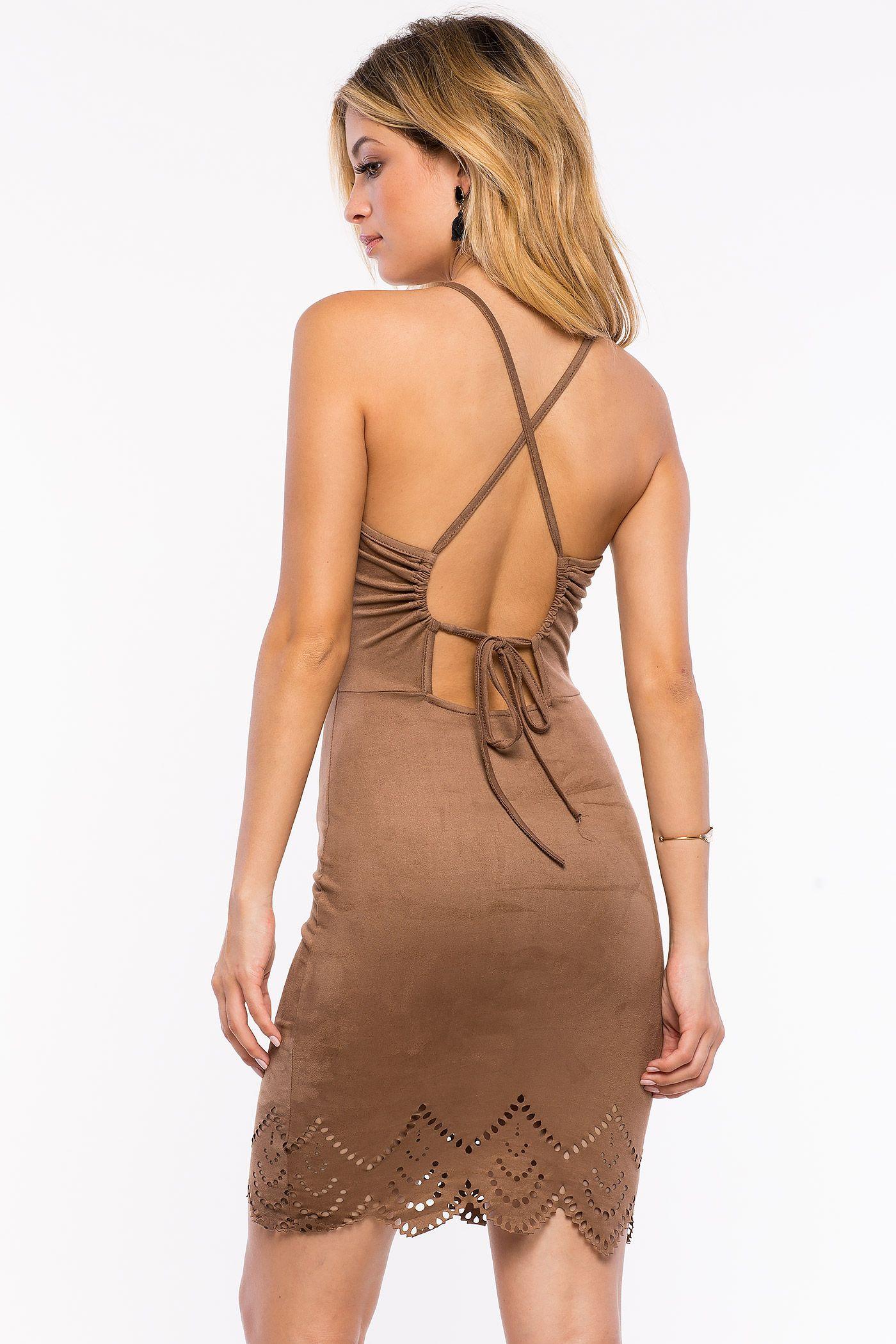 Замшевое платье Размеры: S, M, L Цвет: бежевый Цена: 1693 руб.  #одежда #женщинам #платья #коопт