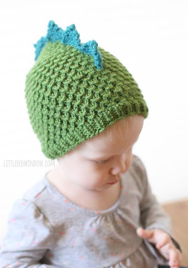 Tiny Dragon Hat Knitting Pattern | Knitting patterns, Dinosaur hat ...