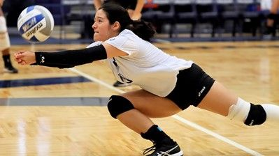 Stmu Volleyball Sweeps Past Jets In Home Finale Athlete Volleyball Basketball Leagues