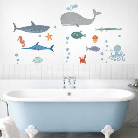 Quer customizar a casa de um jeito fácil e diferente? Confira estes 63 adesivos de parede, azulejo, piso, porta e objetos.