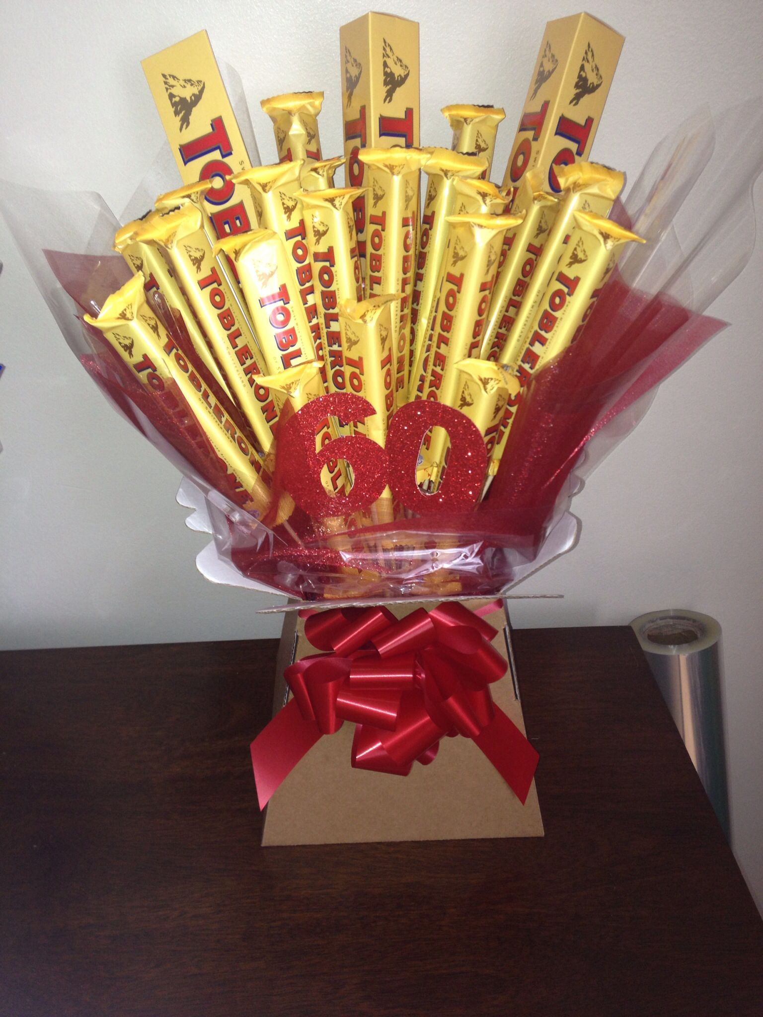 Chocolate bouquet on pinterest candy flowers bouquet of chocolate - Toberone Chocolate Bouquet