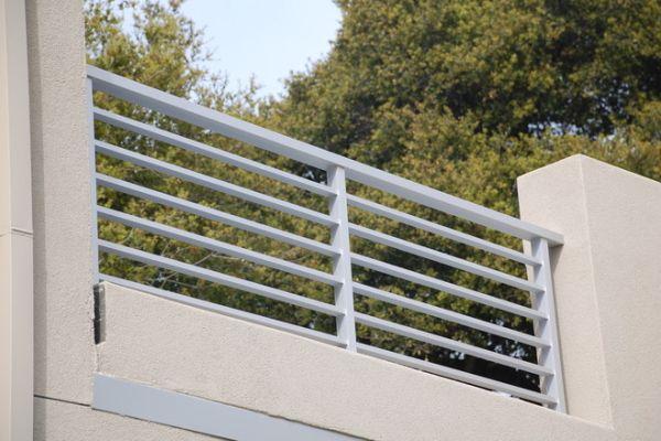 Best Aluminum Flat Bar Stair Railing Design Railing Design 400 x 300