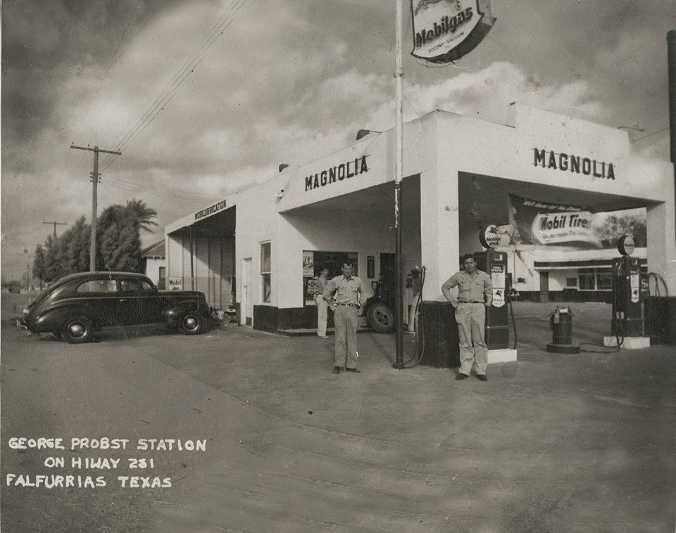 1940 photo of a Mobil gas station in the town of