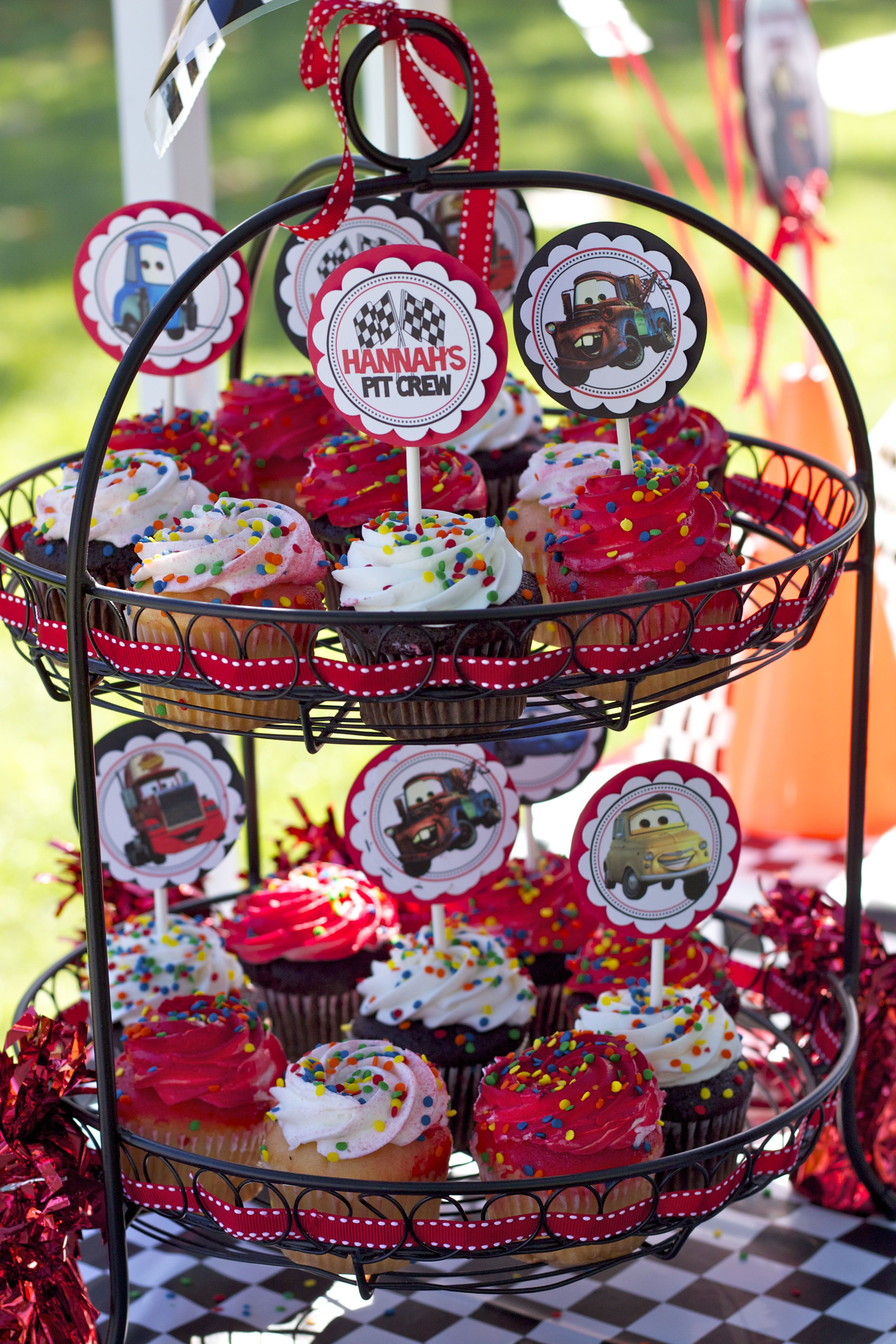 Pleasing Cupcakes From Stater Bros Cheap 20 For 3 Dozen Topped With Funny Birthday Cards Online Drosicarndamsfinfo