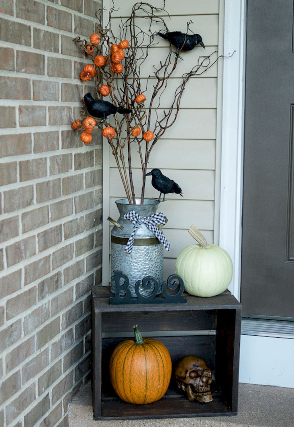 Nice 45 DIY Porch Fall Decorating Ideas   livinking/2017 - Front Door Halloween Decoration Ideas