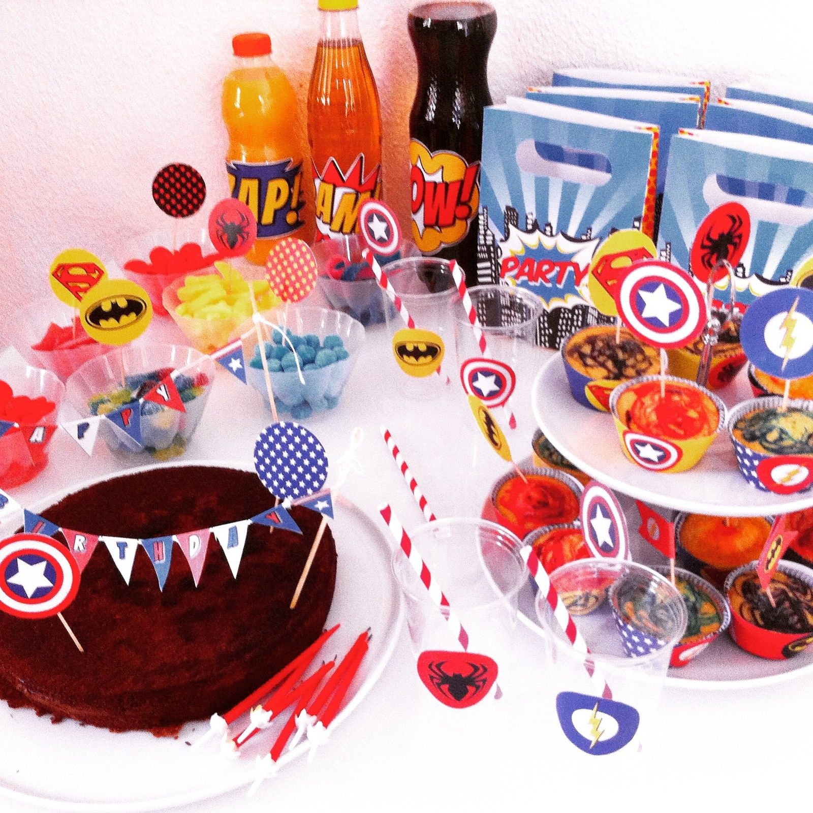 anniversaire super hros gateau captain america wrappers super hros toppers super - Gateau Anniversaire Super Heros