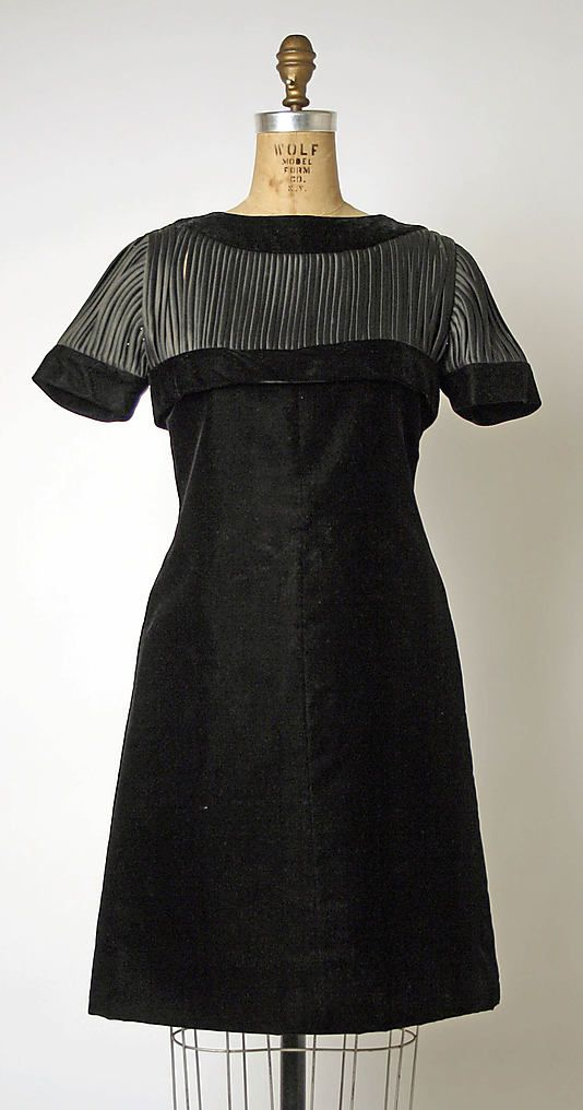 Dress, Dinner House of Balmain (French, founded 1945) Designer: Pierre Balmain (French, St. Jean de Maurienne 1914–1982 Paris) Date: 1955–59 Culture: French Medium: silk