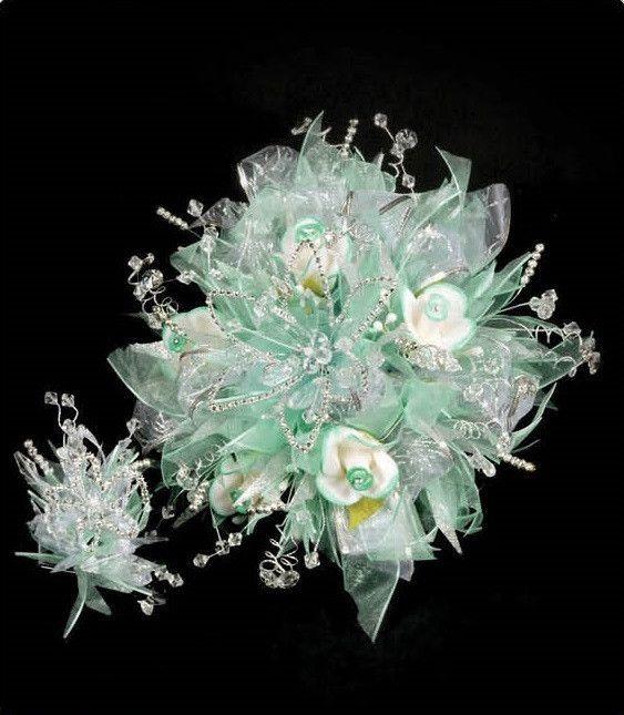 quinceanera bouquet/sweet 16 flower bouquet- I found her bouquet ...